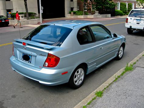 2004 Hyundai Accent Hatchback by 2004 Hyundai Accent Information And Photos Zombiedrive