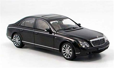 Black Maybach by Maybach 57 S Black 2005 Autoart Diecast Model Car 1 43