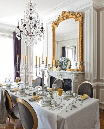 The Elegant Chateau: Gold Christmas
