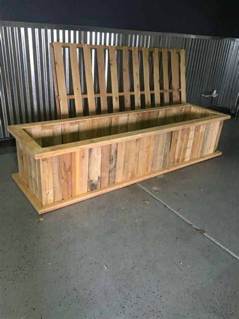 pallet planter box plans 25 best ideas about pallet planter box on