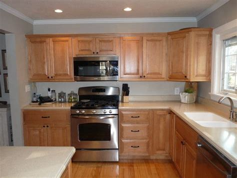 paint colors for kitchen walls with maple cabinets exle of honey maple cabinets with benjamin revere