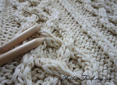 chunky cable knit throw blanket 1000 ideas about cable knit blankets on cable