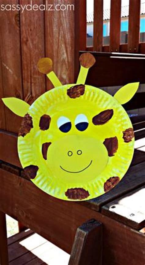 giraffe paper plate craft zoo animal crafts on zoo crafts safari animal