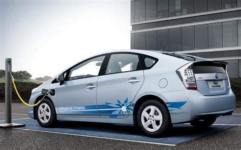 Electric Hybrid Cars by Top 10 Electric And Hybrid Cars Telegraph