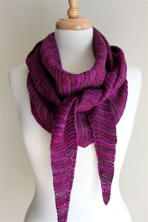 triangle scarf pattern knitting free free knitting patterns totally triangular scarf