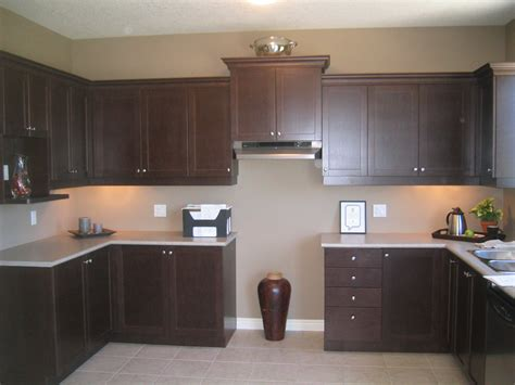 paint colors for kitchen with espresso cabinets espresso kitchen cabinets afreakatheart