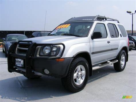 02 Nissan Xterra by 2002 Silver Metallic Nissan Xterra Xe V6 4x4 32808500