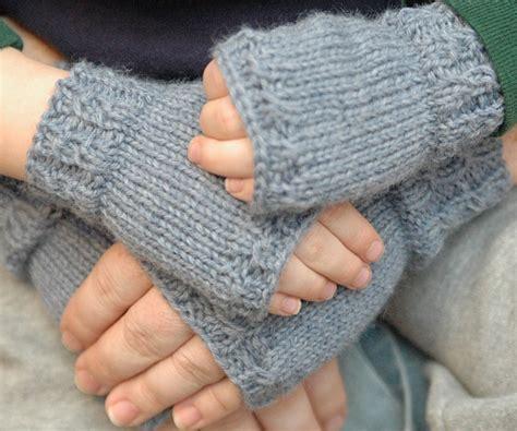 children s mitten knitting pattern 40 mittens and gloves crafts to make