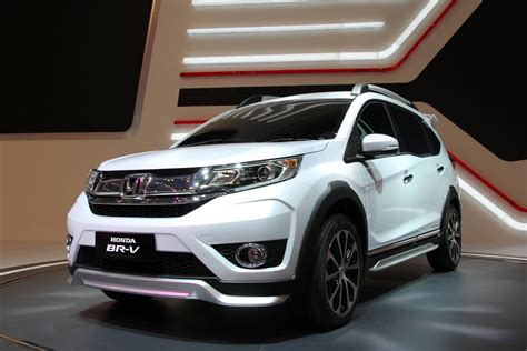 New Upcoming Cars by Top 10 Upcoming Cars Anticipated To Run In India In 2017