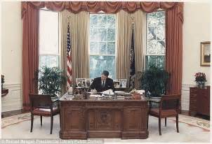 president oval office oval office desks that served the presidents daily