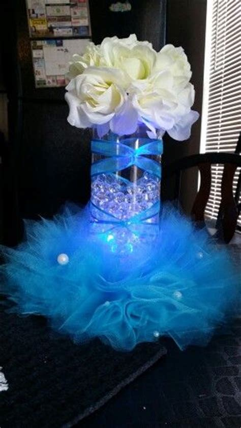 centerpieces for 15 anos 25 best ideas about quinceanera centerpieces on