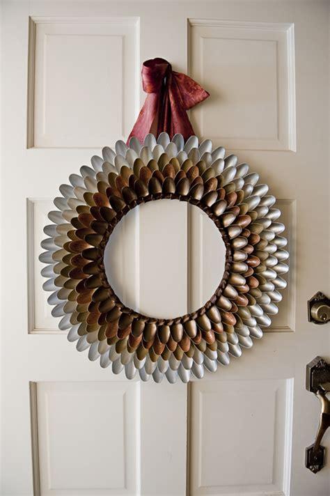 wreaths crafts projects diy projects pretty diy fall wreaths landeelu
