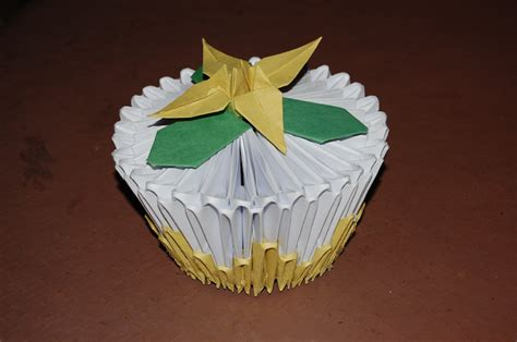 origami cupcake yellow cupcake by origami on deviantart