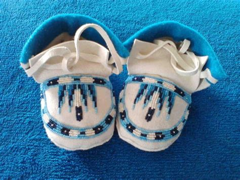 moccasin beading designs 17 best images about anishinaabe pride on