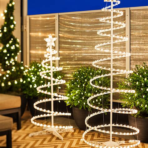 tree lighting ideas 6 lighting ideas for a porch deck or balcony