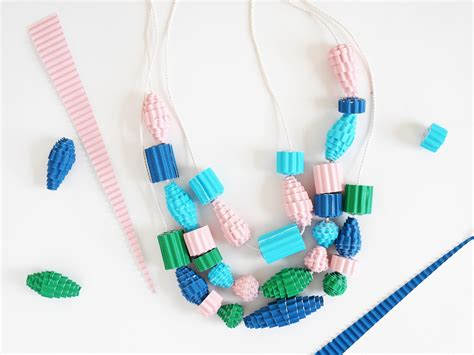 how to make bead how to make a and easy colorful corrugated paper bead