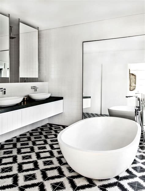 White And Black Bathrooms by 10 Eye Catching And Luxurious Black And White Bathroom Ideas