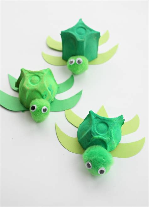 green crafts for the absolutely cutest egg turtles