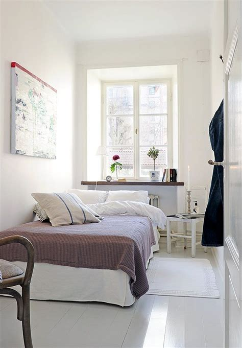 tiny bedroom designs 1000 ideas about narrow bedroom on
