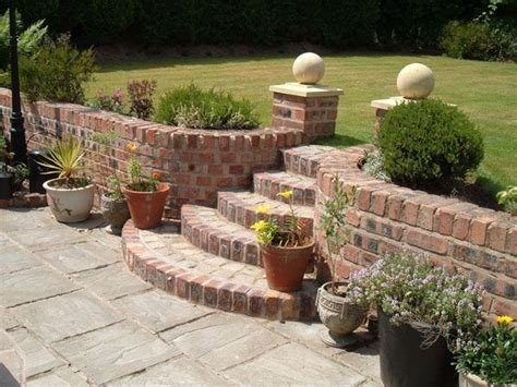 garden wall toppers best 25 retaining wall bricks ideas on diy