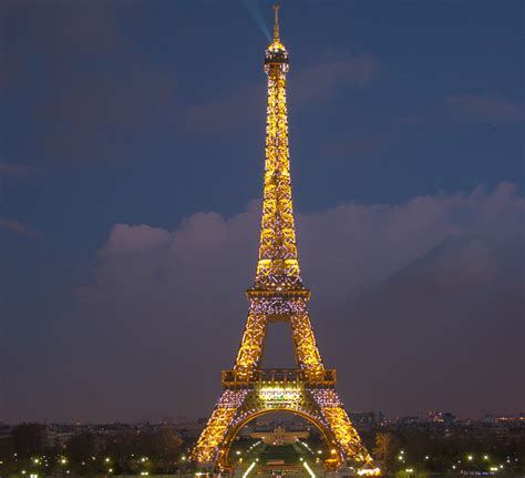 home of the eifell tower eiffel tower facts pictures history trivia and questions