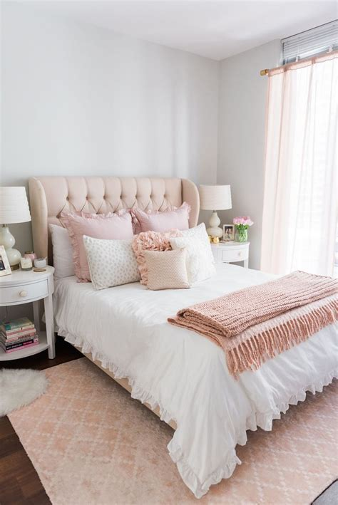 pink bedrooms 25 best ideas about pink bedding on light