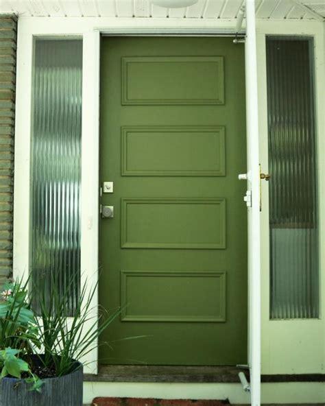 painting exterior metal door learn how to paint your front door how tos diy