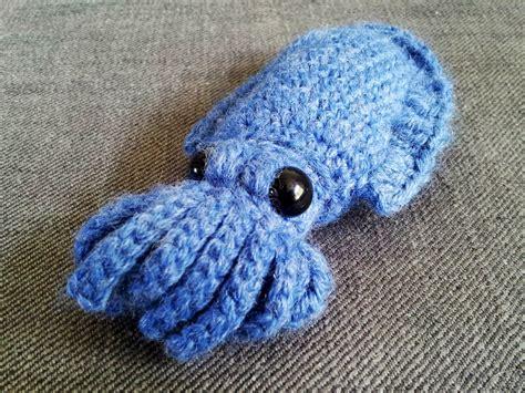free fish knitting patterns a few more fish theme patterns to crochet free
