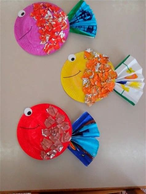 craft work with paper plate these adorable tropical fish start with painted paper