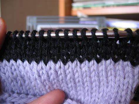 how to weave in ends when knitting sock pr 216 n how to weave in ends while knitting pic