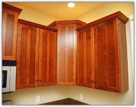 crown molding kitchen cabinets kitchen cabinet crown molding