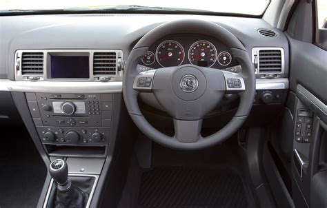 vauxhall vectra hatchback 2005 2008 driving vauxhall vectra hatchback 2005 2008 driving