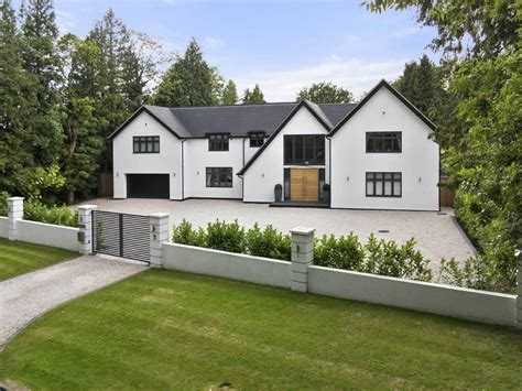 five bedroom house 6 bedroom detached house for sale in chipstead cr5