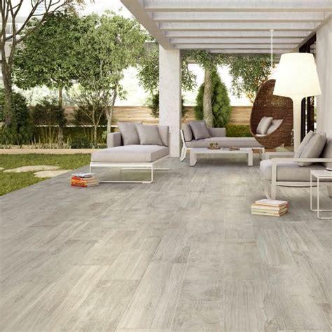 nivrem terrasse carrelage imitation bois avis diverses id 233 es de conception de patio en