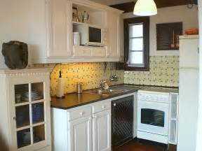 designs for small kitchens on a budget kitchen ideas for small kitchens on a budget marceladick