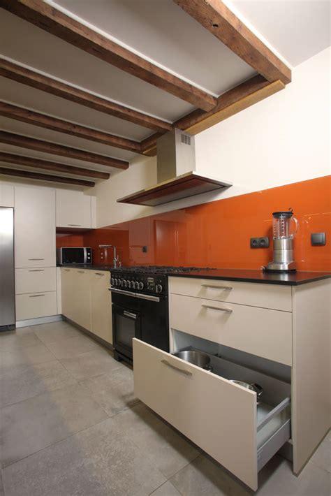 Table Blanche Bois 6597 by Cuisine Bernollin 224 Lyon 6 Et 224 Anse