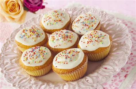 images of cakes decorated basic cakes recipe goodtoknow