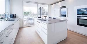 Küchen Wanduhren Design : design k chen premium k chendesign der extraklasse ~ Markanthonyermac.com Haus und Dekorationen