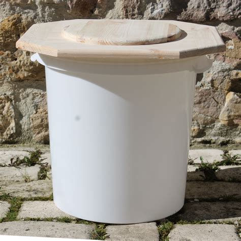 dessus de toilette 224 poser sur un seau toilettes seches toilette seche wc sec marmite
