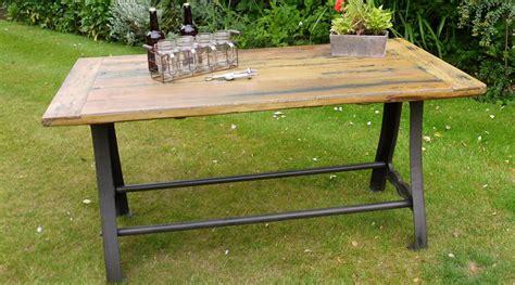 table style industriel bois massif pi 232 tement acier et fer forg 233