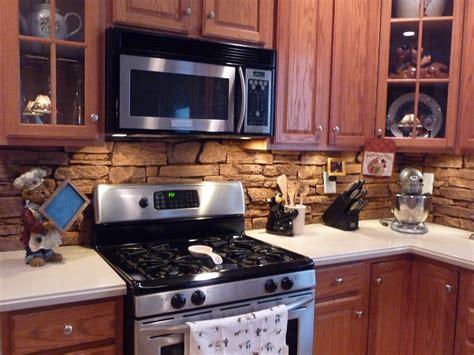 Backsplash : 20 Creative Kitchen Backsplash Designs