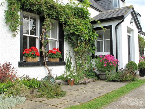 White Cottage Picture, By Harrierman For Cottage Gardens