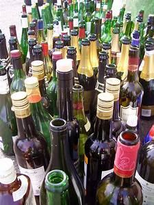 Leere Flaschen Für Likör : file leere wikimedia commons ~ Markanthonyermac.com Haus und Dekorationen