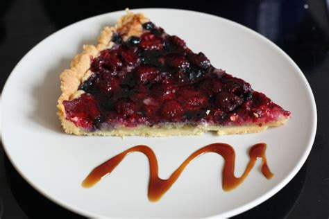 tarte aux fruits rouges et 224 la cr 232 me d amande frangipane