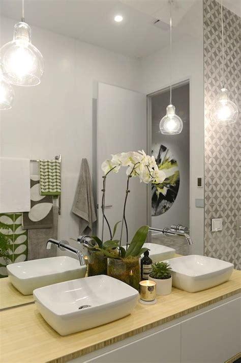 25 Creative Modern Bathroom Lights Ideas You'll Love