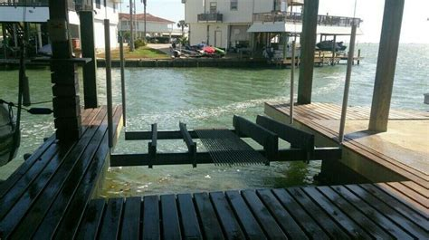 Boat Lift Distributors Houston Texas by 21 Best Boat Houses Images On Pinterest