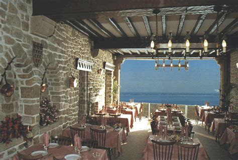 hotel croix blanche mont st michel