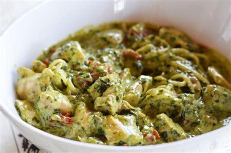 p 226 tes au poulet pesto et tomate s 232 ches caf 233 chez nous