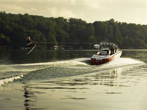 Wake Boat Landing by Wakeboard Lessons