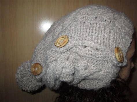 tuto tricot apprendre a tricoter un bonnet tombant rasta avec torsade et pompon facile